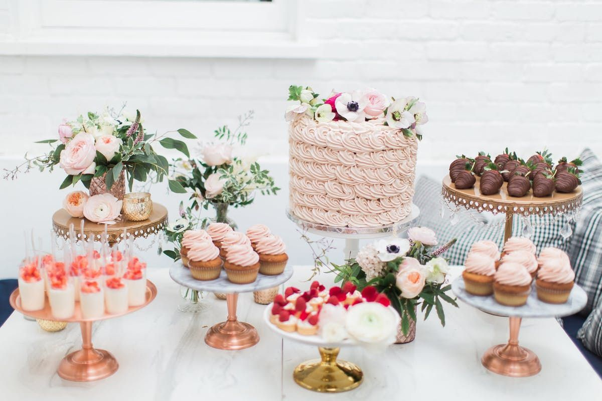 How to Set Up a Dazzling Dessert Table